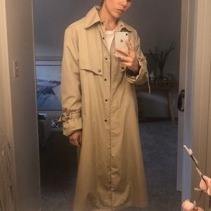 Trench Coat with cinched wrists